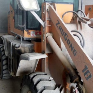 山工952装载机